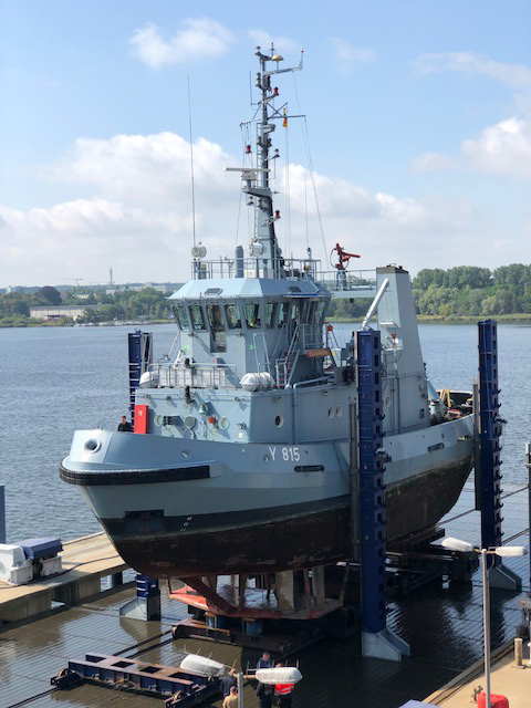 First harbour tugboat of the German Navy moors at our shipyard