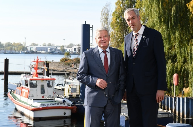 Former Federal President of the Federal Republic of Germany Dr. Joachim Gauck pays a visit to the shipyard